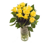 Melbourne flower: 11 yellow roses